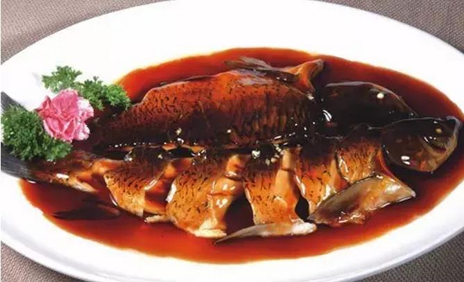 草鱼做的西湖醋鱼